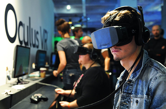 Using the Oculus Rift for virtual reality and 360 videos.